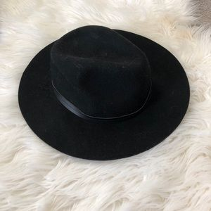 Urban Outfitters Accessories - Urban Outfitters black hat